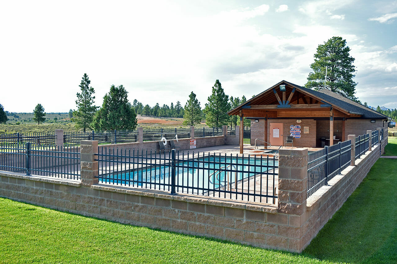 Pool at Bryce Canyon Motel